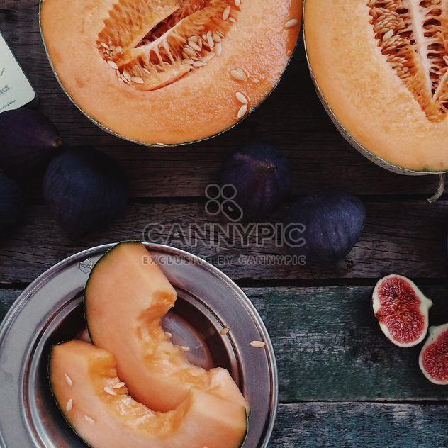 Tranches de figues et melon mûr - Free image #136187
