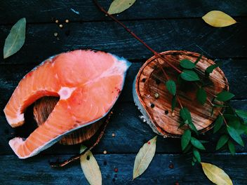 Salmon and bay leaves - Free image #136477