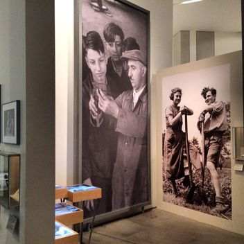 Monumental pictures in Jewish Museum, Berlin - бесплатный image #183247