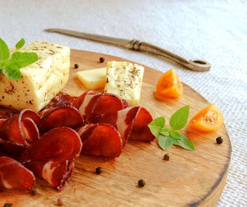 Meat and cheese - image #183347 gratis