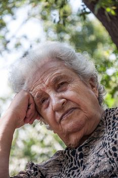 senior woman thinking - image #185767 gratis