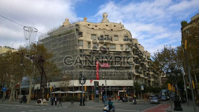 Gaudi's La Pedrera Building in Barcelona - image #187857 gratis