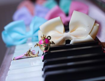 Bows On The Piano - Free image #200987
