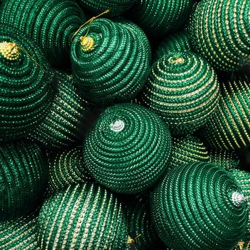Green Christmas balls - image gratuit #271747