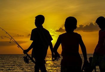 Silhouettes at sunset - image gratuit(e) #271857
