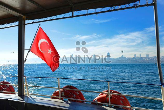 Türkische Flagge auf der Fähre - Kostenloses image #272517