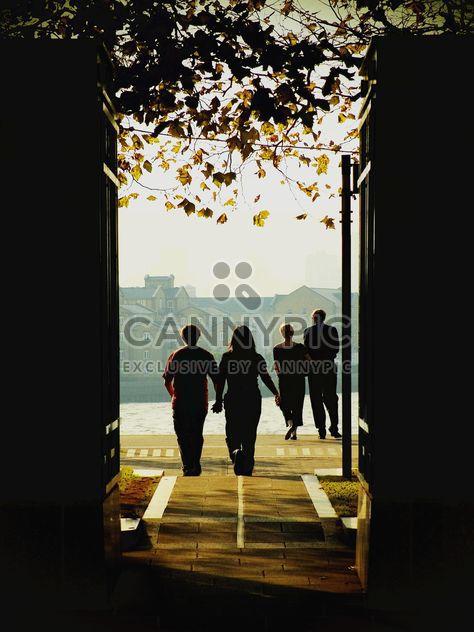 Zwei Paare auf der Themse - Kostenloses image #272967
