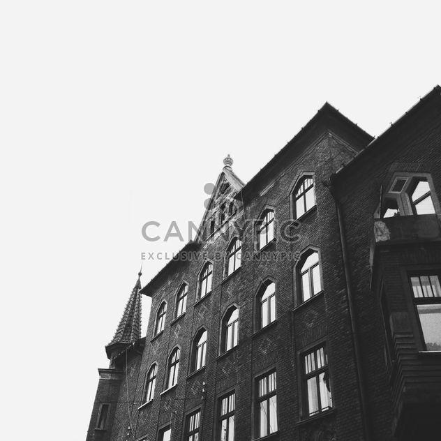 Edificio de viviendas en Chernivtsi - image #273117 gratis