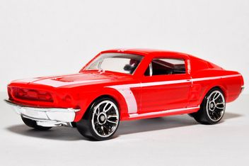 Red toy car - image #273167 gratis