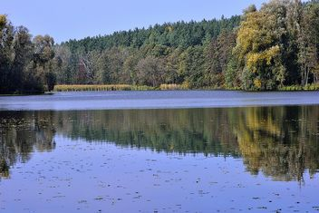 Autumn lake - image #280937 gratis
