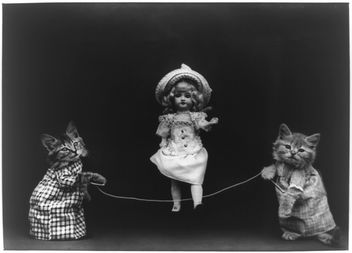 Playtime, Cats in Human Situation, Playing Jump Rope with a Vintage Victorian Doll - image gratuit #281147