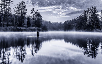Steam rising off of Deegan-Hinkle Lake - image #290077 gratis