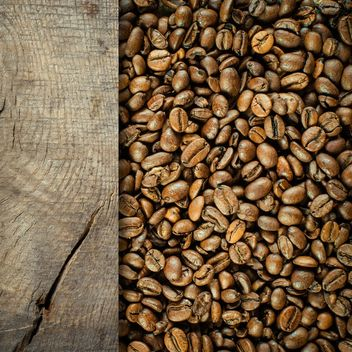 Coffee bean with wooden plank - image gratuit(e) #302287