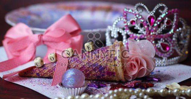 Icecream cone with pink rose - Free image #302417
