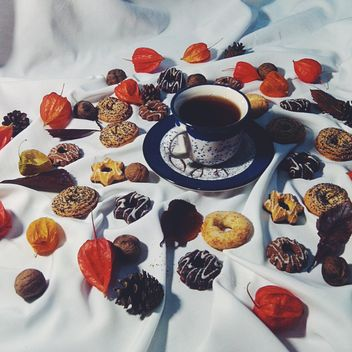 Black tea and cookies - image gratuit #302857