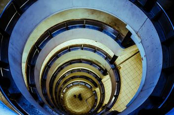 Urban spiral staircase - image gratuit #304467
