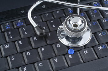 laptop and stethoscope - image #309287 gratis