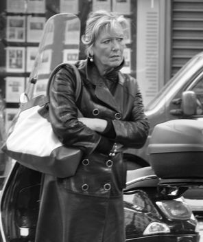 Paris Woman with Leather Jacket - image #314527 gratis