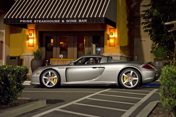 Porsche Carrera GT at night - image gratuit #316157