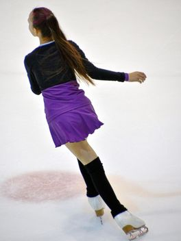 Ice skating dancer - image gratuit #330937