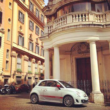 Old white Fiat 500 - image gratuit #331457