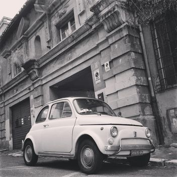 Fiat 500 in street of Rome - Free image #331587