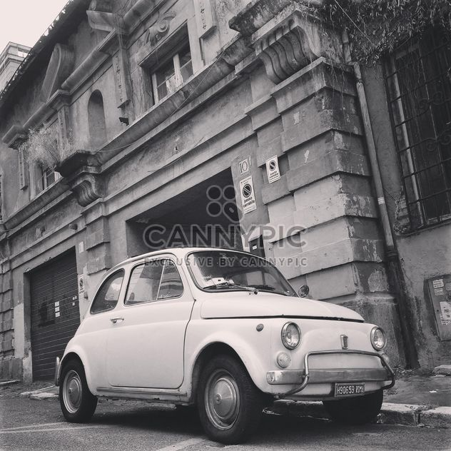 Fiat 500 in street of Rome - Kostenloses image #331587