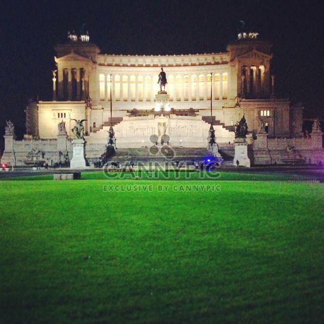 Piazza Venezia Rome - image #331797 gratis