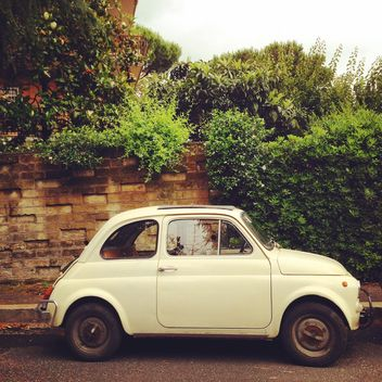 White Fiat 500 - бесплатный image #331947