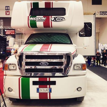 White Ford Camper - image gratuit #332237