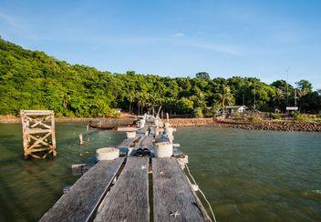 Wooden pier o a beach - Free image #332917