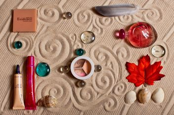 Cosmetics, decorative stones and seashells - бесплатный image #333237