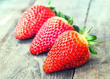 Three Strawberries - image gratuit #334277