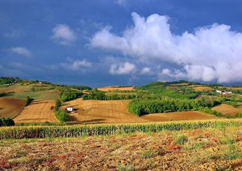 View on Monferrato village in Piemonte - image #334757 gratis