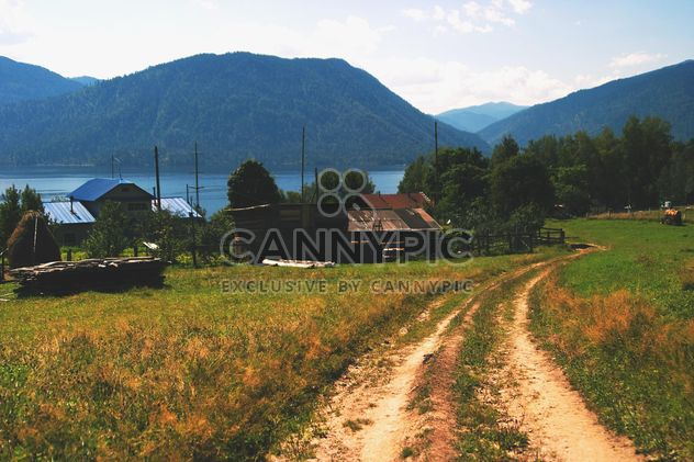 View on houses in Altai mountains - бесплатный image #345077