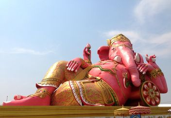 Ganesh statue in Chachoengsao province of thailand - image gratuit #346187