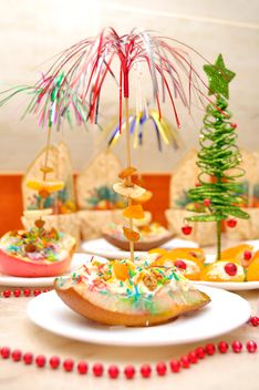 Pear with honey for dessert with Christmas decorations - Free image #346557