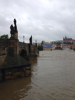 View on river and architecture of Prague, Czech Republic - image #348367 gratis