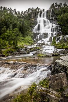 Tvindefossen Waterfall - Skulestadmo, Norway - Landscape photography - Free image #351077
