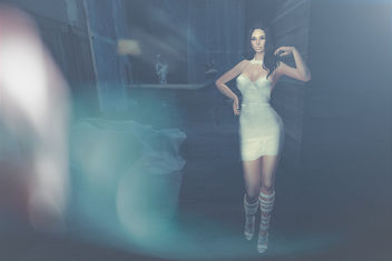 Latex dress by .SALT @ Cosmopolitan - image gratuit #388547