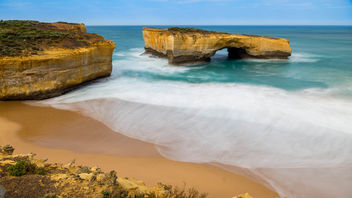 London Bridge, Great Ocean Road - image #390857 gratis