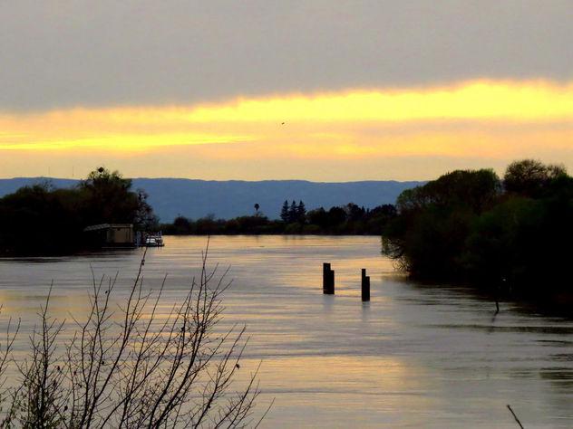 Sacramento River sunset - image #427187 gratis
