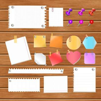 Message papers on wooden board - vector gratuit #132447