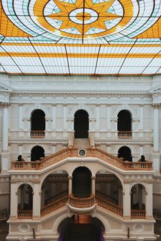 Courtyard of Polytechnic University, Warsaw, Poland - image #136667 gratis