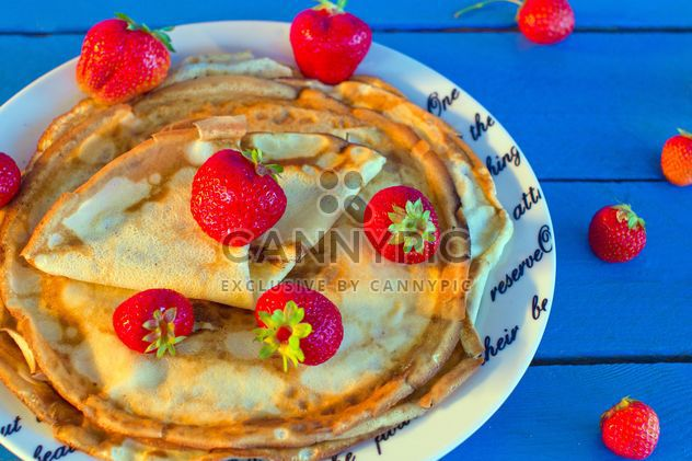 Pancakes with strawberries in plate - Free image #182687
