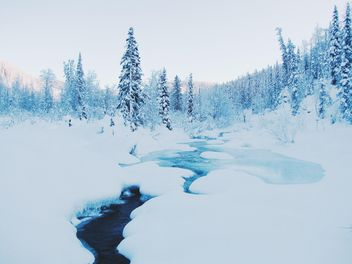 Winter landscape with creek in mountains - image #184017 gratis