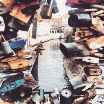 Padlocks on a bridge - бесплатный image #184407