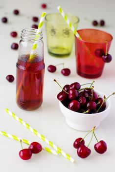 Fresh Cherries In A Bowl - image #185737 gratis