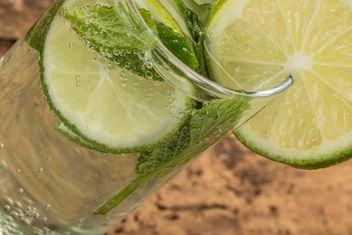 drink decorated with lime - image gratuit #185927