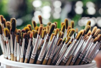 Close-up of paintbrushes in cup - image gratuit #186087